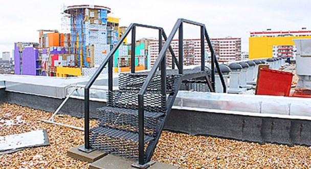 Лестница – «мостик» для перехода между крышами