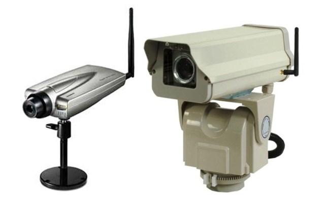 Внутренняя и внешняя (с поворотным PTZ приводом) Wi-Fi камеры