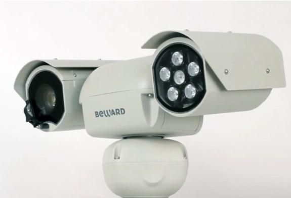 Уличная камера видеонаблюдения с интегрированным PTZ устройством, подсветкой и очистителем, модель BEWARD B89L-3270Z18