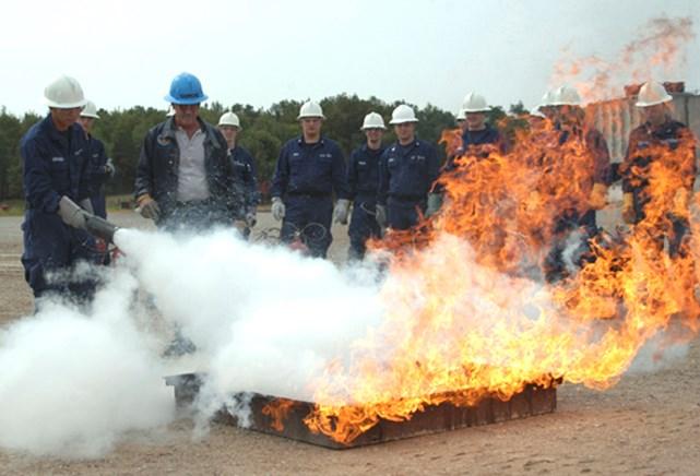 Ликвидация огня углекислотным газом